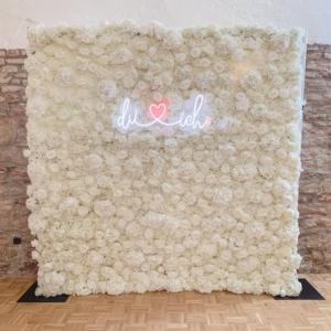 blumenwand-belle-weiss-240x240cm-flowerwall-verleih-event-hochzeit-dekoverleih-frankfurt-globaldesire (2)-min