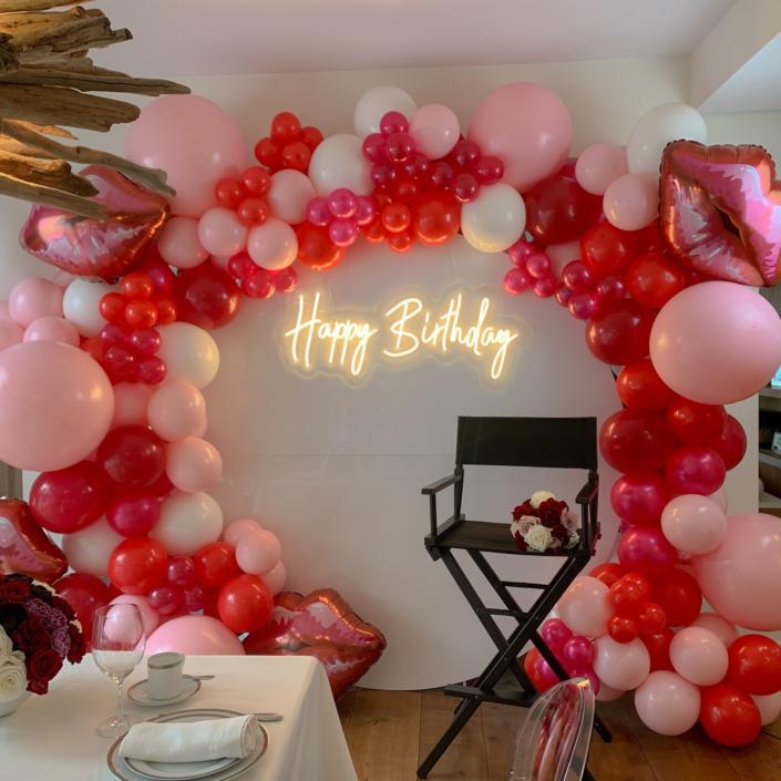 neon-sign-happy-birthday-mieten-frankfurt-hochzeit-event-dekoverleih-frankfurt-globaldesire